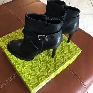 Gianni Bini Booties Size 7 1/2